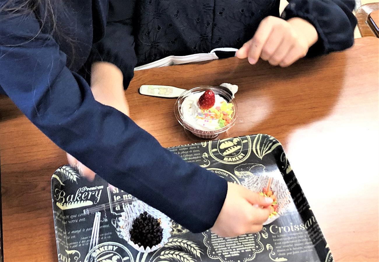 ケーキのトッピング